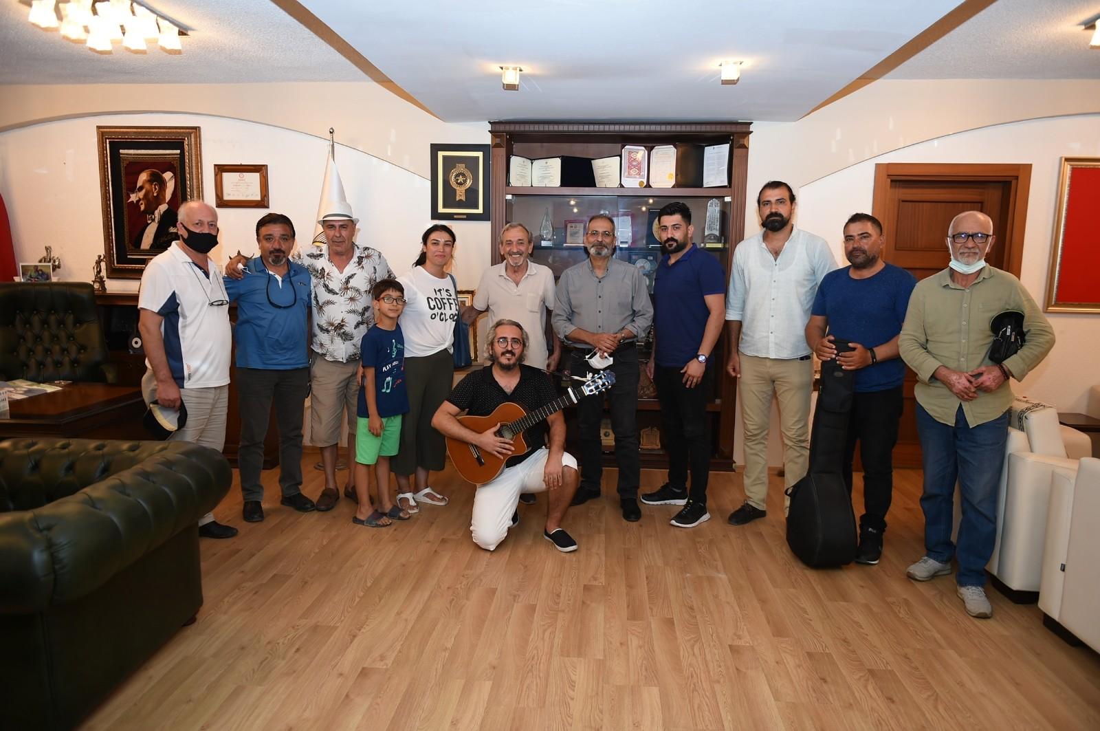 tarsus belediyesi muzisyenlere her turlu destegi