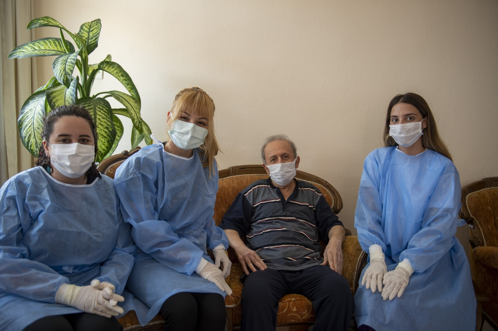 felcli hasta evde bakim hizmetiyle yeniden yurumeye basladi