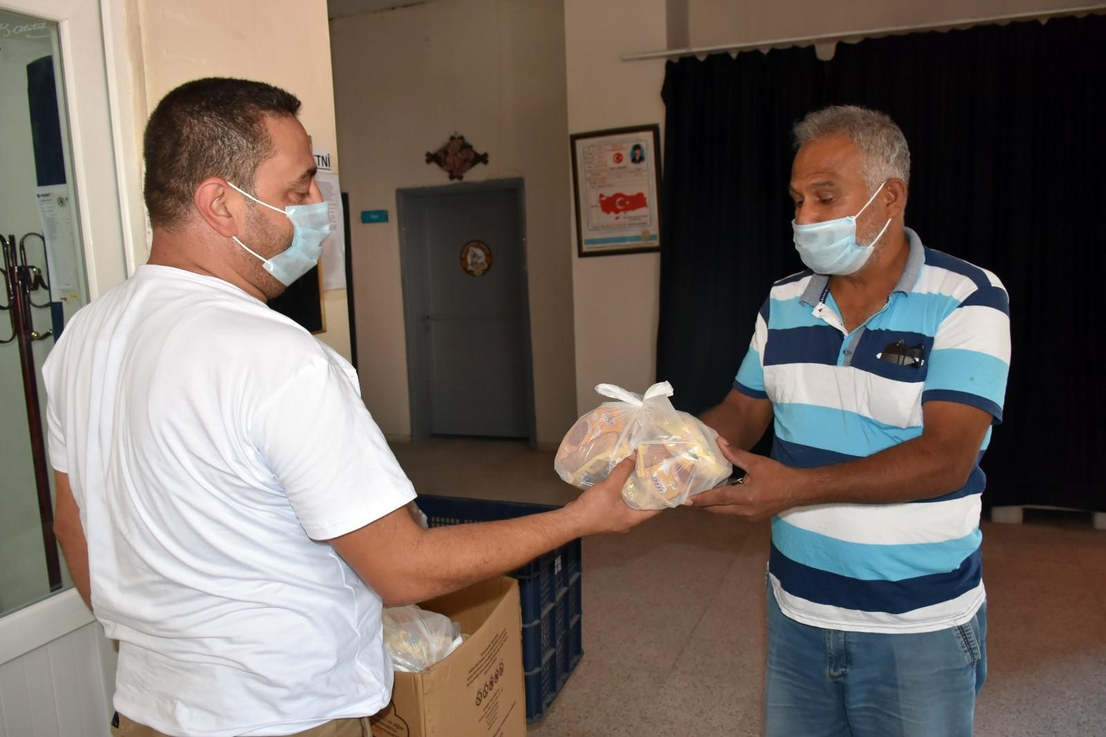 tarsus belediyesi colyak hastalarina glutensiz ekmek dagitimina devam ediyor