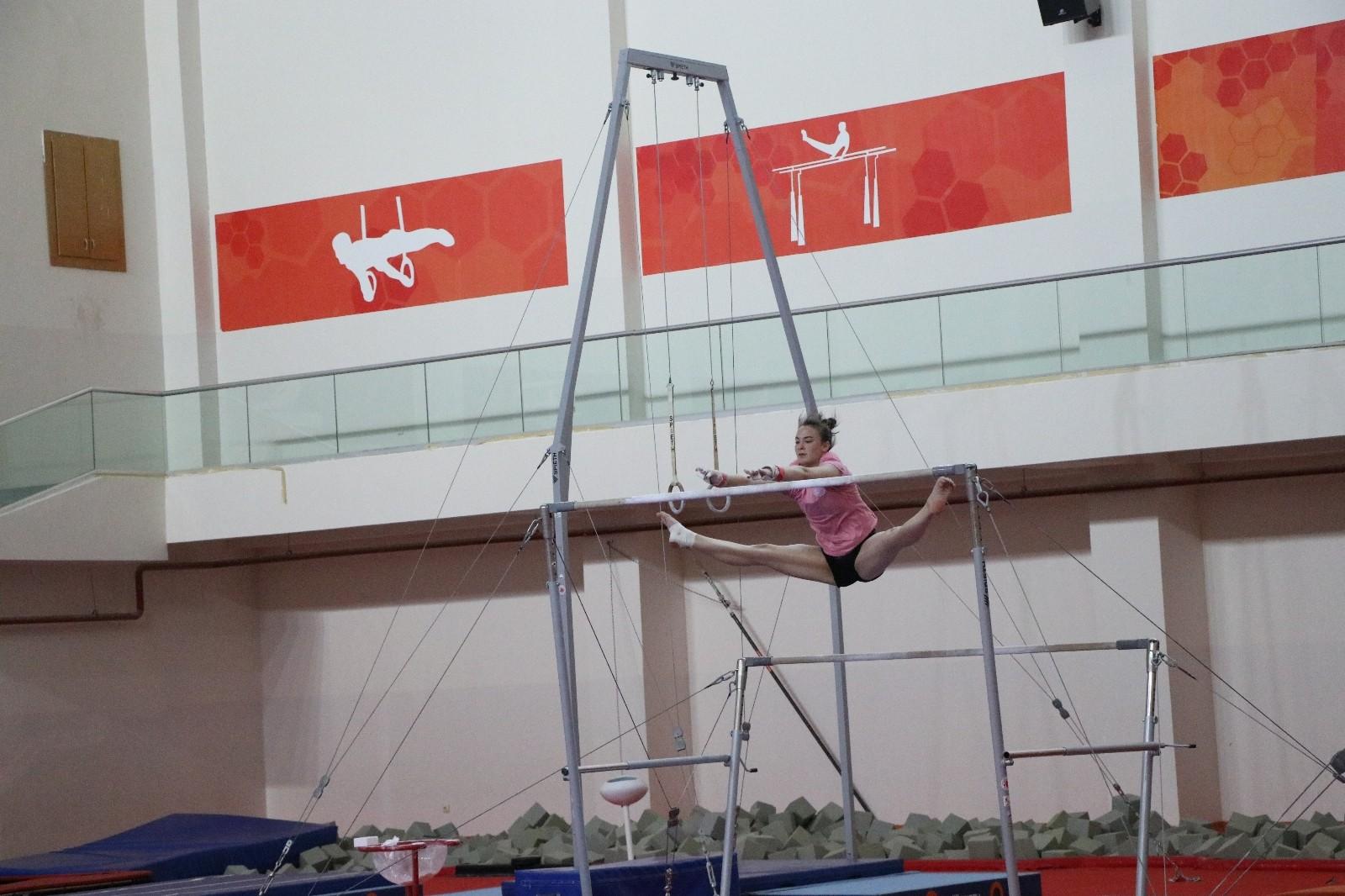artistik cimnastik milli takimi mersinde kampa girdi