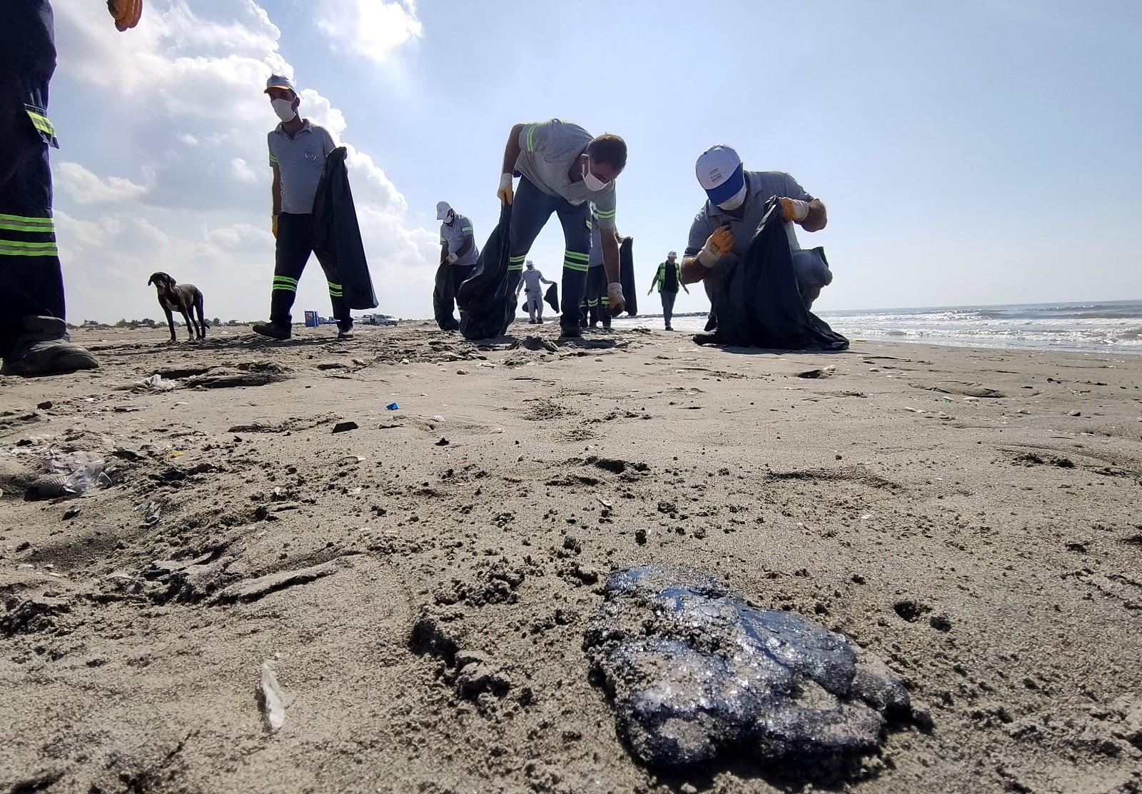 petrol sizintisi mersin sahillerini tehdit ediyor