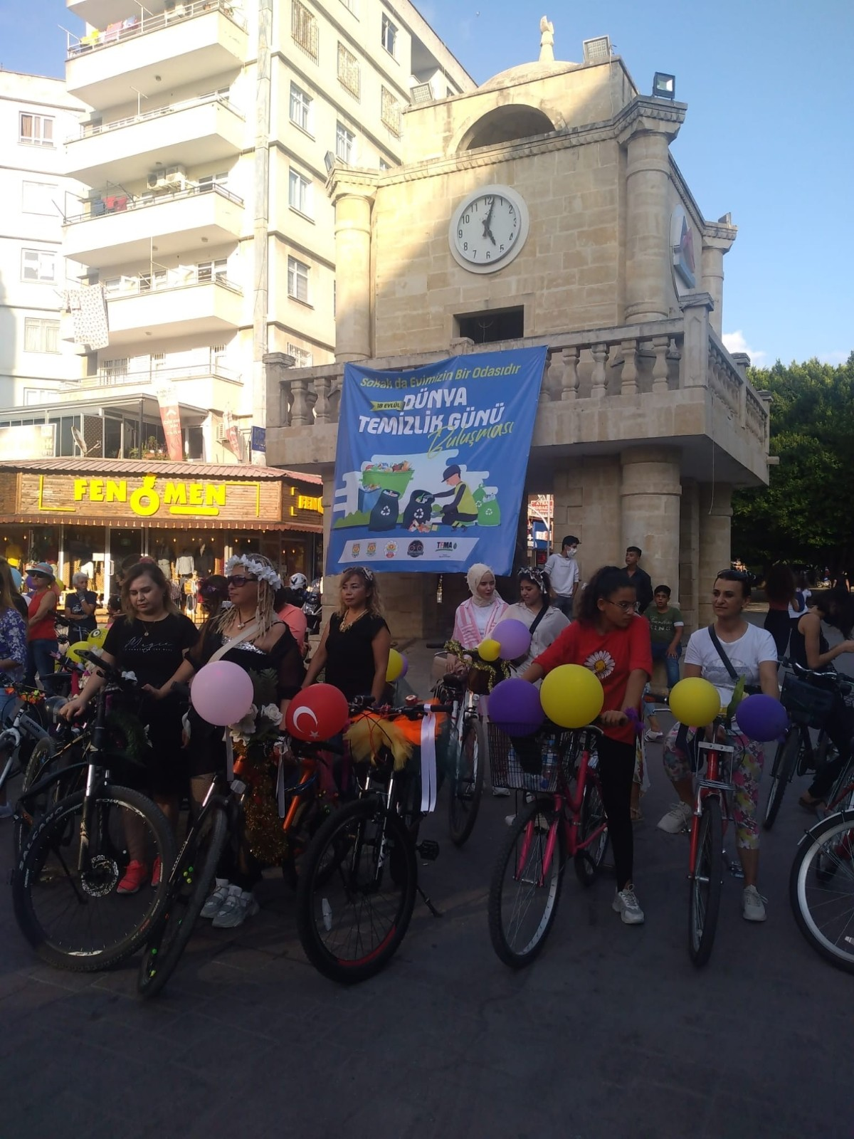tarsusta suslu kadinlar bisiklet turu